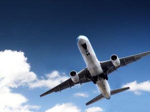 THK uçağı hangara çarptı