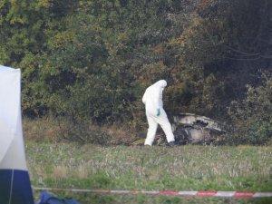 İngiltere'de küçük uçak düştü: 2 ölü