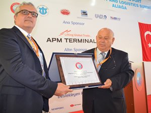 Aliağa limanları dış ticarette Türkiye'nin lokomotifi