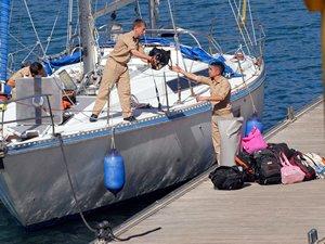 Kuşadası kaçak göçmen taşıyan bot battı: 15 kayıp