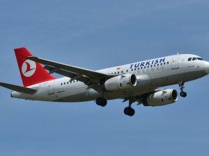 THY uçağı Heathrow'a divert etti