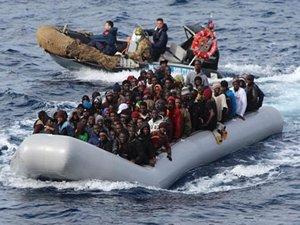 Midilli Adası açıklarında 250'den fazla sığınmacı taşıyan tekne battı