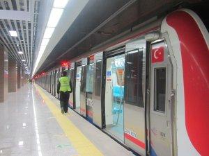 Marmaray yarım, İstanbul trensiz kaldı