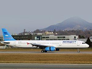 Rus uçağının düşmesi Hollanda'yı korkuttu