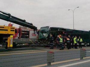 Metrobüs kazası: Çok sayıda yaralı var