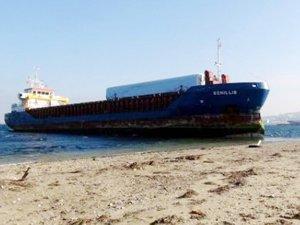 Çanakkale'de karaya oturan gemide dalgıçlar hasar kontrolü yapacak