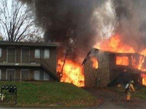 Evin üstüne uçak düştü!