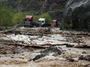 Artvin'deki sel felaketinde ölü sayısı ikiye yükseldi