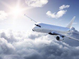 Yolcu uçağı kontrolden çıktı