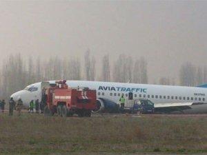 Kırgızistan'da yolcu uçağı pistten çıktı