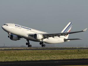 Kayıp yolcu uçağının parçalarına ulaşıldı