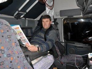 Rusya'ya gidemeyen narenciye yüklü TIR'lar 3 gündür dinlenme tesisinde bekliyor