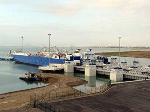 Azerbaycan Hazar Denizi üzerinden taşımacılık tarifelerini indirdi