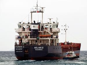 Rusya bayraklı diye, Türk armatörünün ortak olduğu gemi, Gemlik Limanı'nda tutuklandı