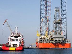 Rusya, Türk gemisiyle sürtüşme bahanesiyle Çernomorneftegaz'ın platformunu kaçırmış!