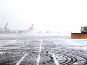 Nevşehir'de uçak seferleri iptal