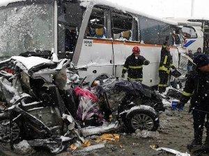 TEM Otoyolunda zincirleme kaza: 1 ölü, 20 yaralı