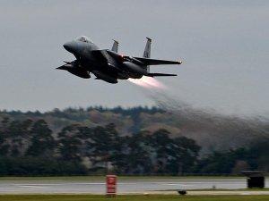 Libya'da savaş uçağı düştü!