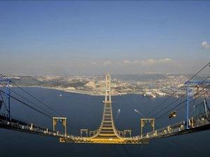 Körfez Geçiş Köprüsü'nde 55 tonluk ilk tabliye yerleştirildi