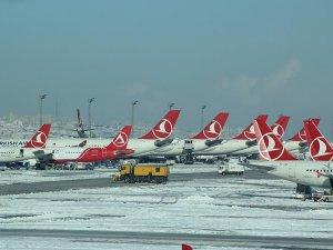 Hava yolu ulaşımına kar engeli