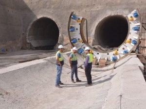 Türkiye' nin en uzun demiryolu tünelinin yapımına başlandı