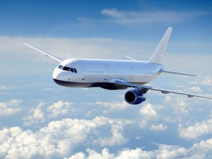 Suriye'liler izinsiz uçağa binemeyecek