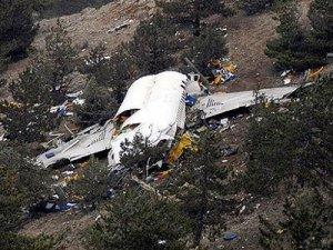 Yeni Zelanda'da küçük uçak düştü