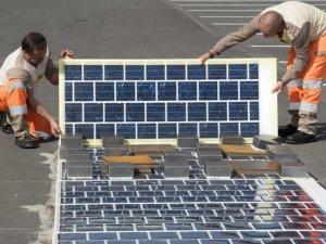 Fransa, güneş enerjili yol yapacak!