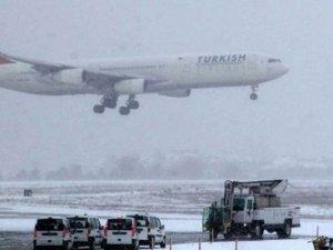 Uçuşlara kar engeli