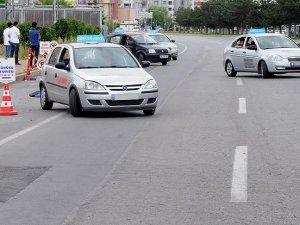 Her sürücü adayına zeka testi yapılmayacak