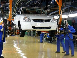 Rusya'daki ekonomik kriz otomobil şirketi 'Avtovaz'ı da vurdu