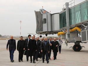 Bakan Yıldırım Diyarbakır Havalimanı'nı inceledi
