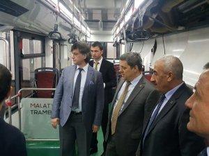TCDD Genel Müdürü Yıldız, Malatya trambüs sistemini inceledi