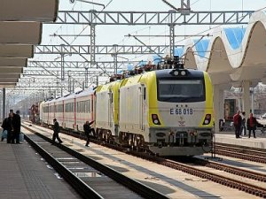 Eskişehir-Balıkesir demiryolu hattı hizmete hazır