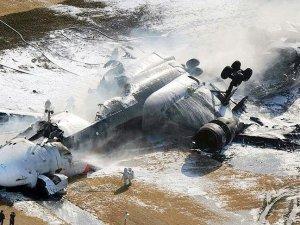 Malezya'da askeri uçak düştü: 8 asker kurtarıldı