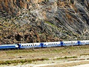 Özbekistan'da Angren-Pap demiryolu inşaatı tamamlandı