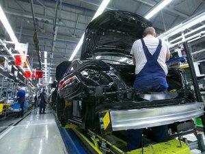 Mercedes montaj hattını robotlar yerine insanlara teslim etti