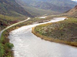 İran ve Azerbaycan Aras nehrine HES kuracak!