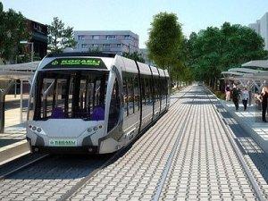 İzmit Tramvayının rayları döşeniyor