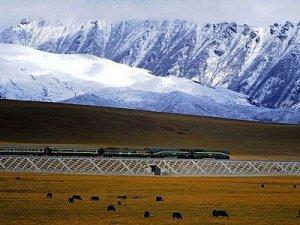 Çin gökyüzüne demiryolu döşedi