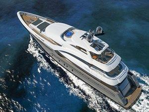 Antalya'da inşa edilen ultralüks 'Sarp 46' adlı yat denize indirildi