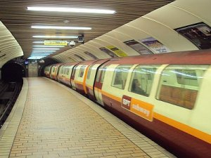 Glasgow metrosu tren alımı ve sinyalizasyon için kararını verdi