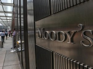 Moody's Hong Kong'un not görünümünü düşürdü