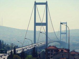 Boğaziçi Köprüsü'ndeki şüpheli araç köprüyü trafiğe kapattı