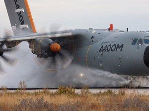 Ekvator'da askeri uçak kazası