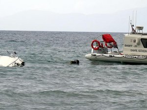 Enez'de kaçakları taşıyan tekne battı