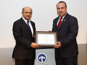 "TAYSAD'dan Assan Hanil'e ""faydalı model"" ödülü"
