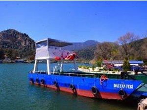 Dalyan Kanalı'nda feribot seferleri başladı