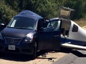 Uçak otomobile çarptı: 1 ölü, 5 yaralı