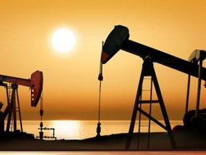 İran'da petrol 4 yılın zirvesinde
